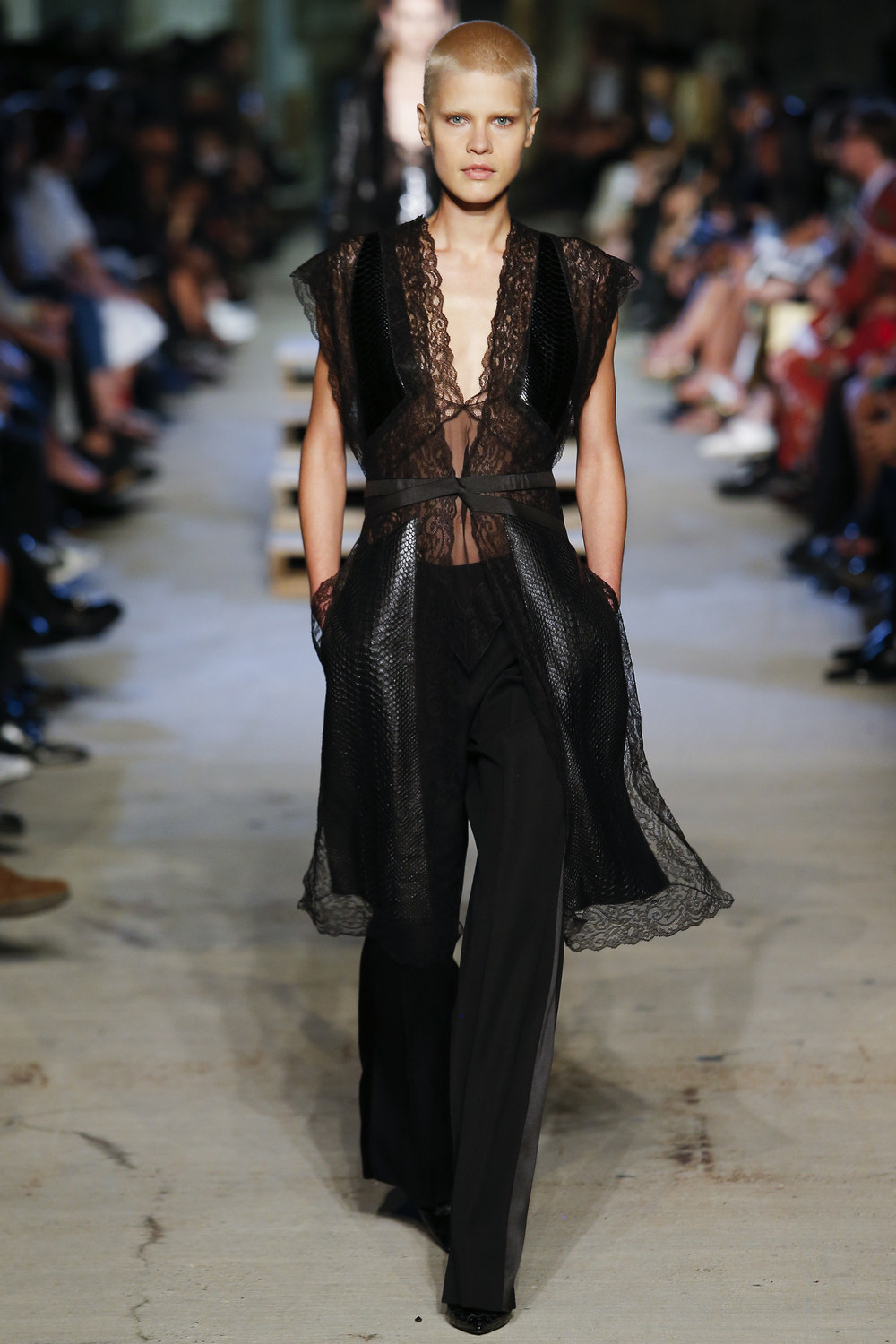 Givenchy+Sp+2016+RTW+-+10