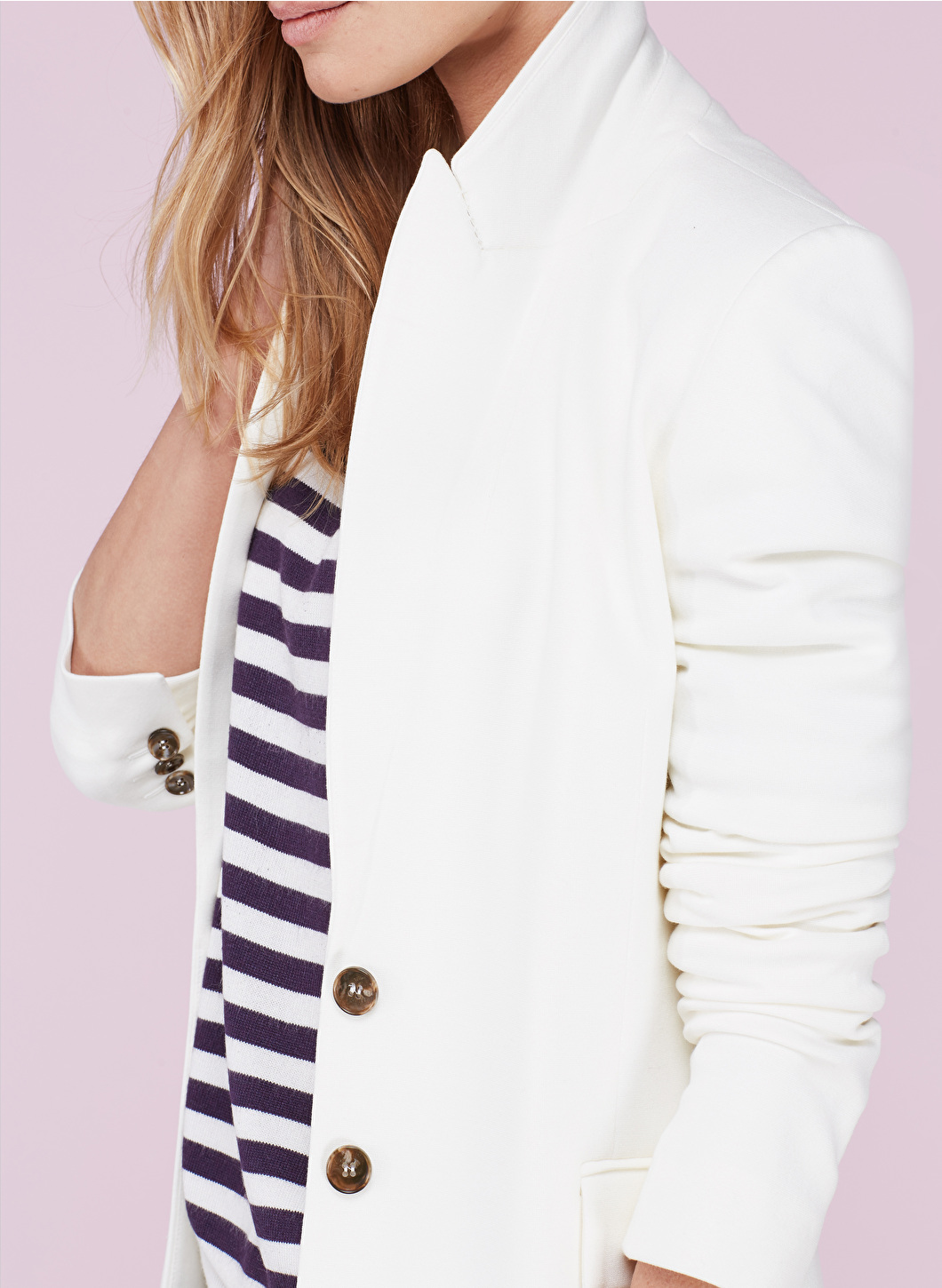 Check out this beautiful classic women's blazer by Bauken - Roxanne Carne | Personal Stylist www.roxannecarne.com